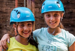 Kingswood campers at ropes course